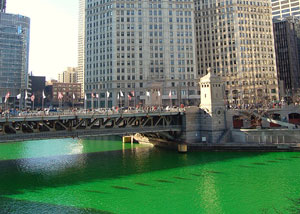 El r�o de Chicago teñido de verde