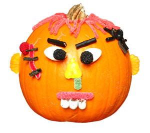 Calabazas decoradas halloween fiestafacil blog for Puertas decoradas halloween calabaza